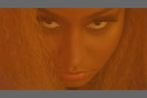 Nicki Minaj se convierte en una diosa ancestral en su nuevo videoclip
