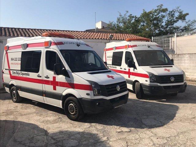 Vehículos de Cruz Roja en imagen de archivo
