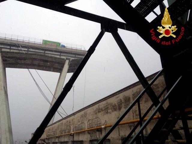 Puente desplomado en Génova