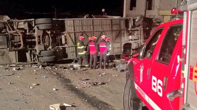 Accidente de un autobús a las afueras de Quito