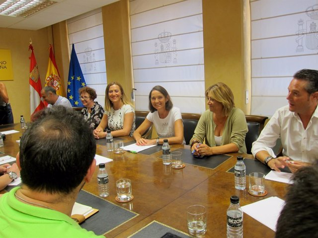 Reunión con la ministra en la Delegación del Gobierno.
