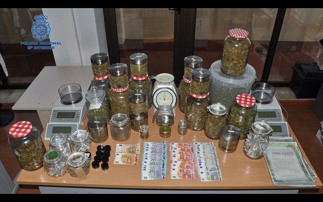 Tres detenidos y 2,5 kilos de marihuana intervenidos en una asociación de cannabis de Port de Pollença