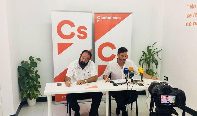 Los concejales de Ciudadanos en Linares, Juan Carlos Trujillo y Salvador Hervás.