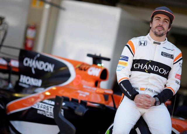 Alonso y McLaren muestran el potencial de su nueva arma en los test de Montmeló