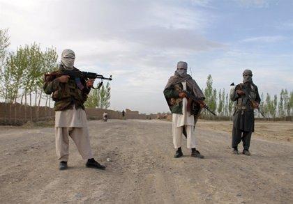 Mueren 45 miembros de las fuerzas de seguridad en un ataque talibán en el norte de Afganistán