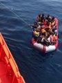 Rescatadas 67 personas en una patera localizada en aguas del Estrecho