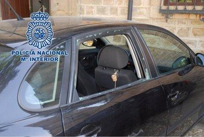 Detenido en Úbeda (Jaén) el presunto autor de 17 robos en interior de vehículo y un hurto