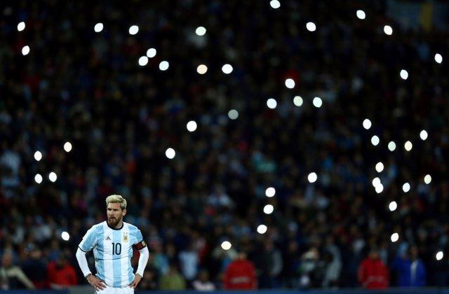 Leo Messi jugando con la selección argentina en el Mundial (2018)
