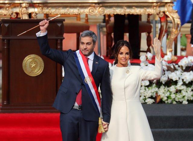 Mario Abdo Benítez y su mujer, Silvana López Moreira