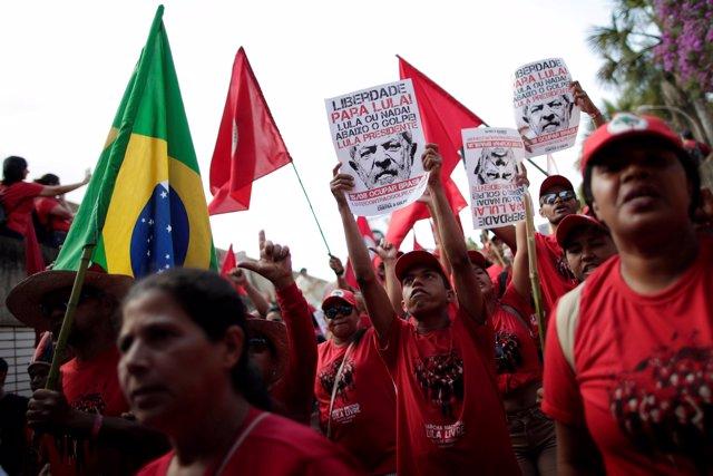 Seguidores de Luiz Inácio Lula da Silva en Brasilia