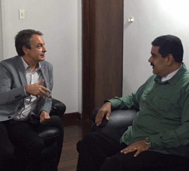 Zapatero y Maduro durante su encuentro en Caracas