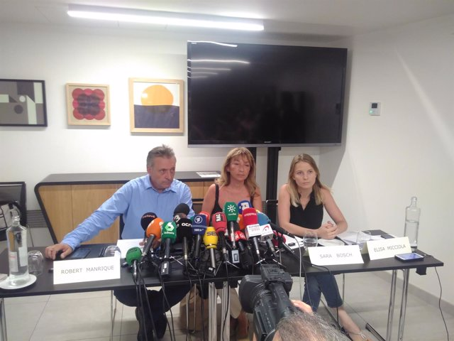 Roberto Manrique, Sara Bosch y Elisa Micciola