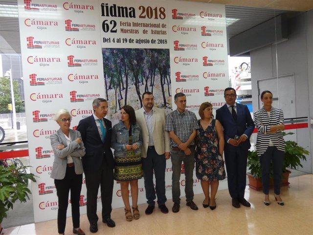 Visita de la delegación socialista a la Fidma.