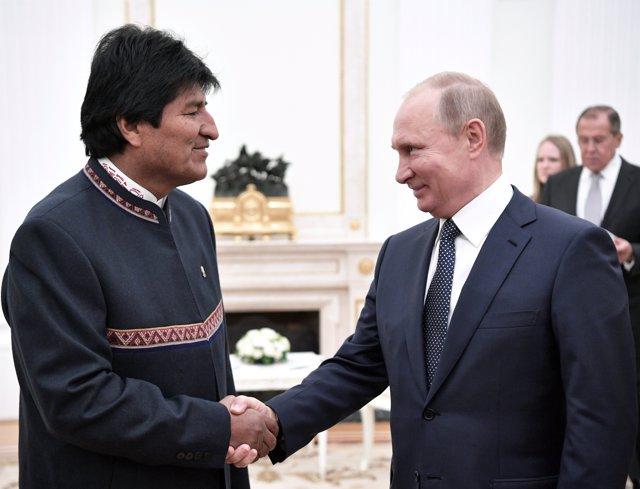 Morales: Bandera boliviana ondeará pronto en orillas del Pacífico