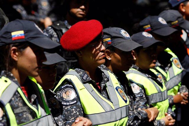 Dictadura de Maduro impide marcha de trabajadores de la salud