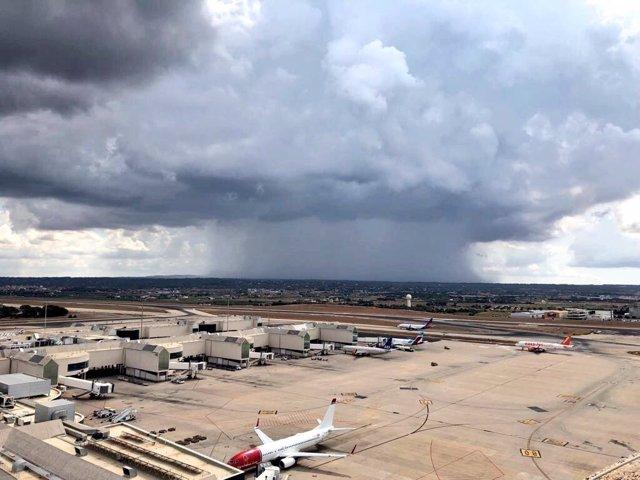 El riesgo por lluvias y tormentas afectará hoy a Baleares
