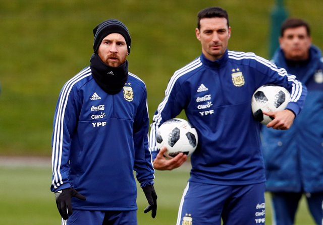 Lionel Scaloni y Messi