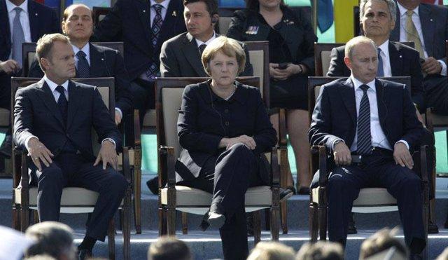 Putin y Merkel en el 70 aniversario de la II GM