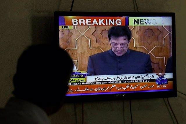 Imran Khan jura su cargo como nuevo primer ministro de Pakistán
