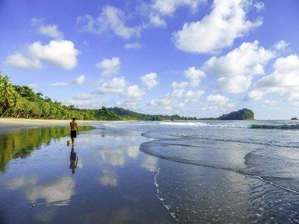 Costa Rica lanza un proyecto de playas accesibles