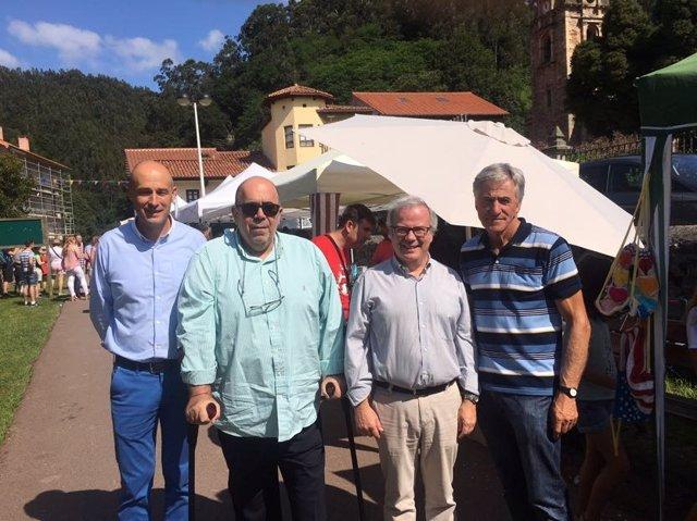 Oria visita el mercado agroalimentario de Puente Viesgo