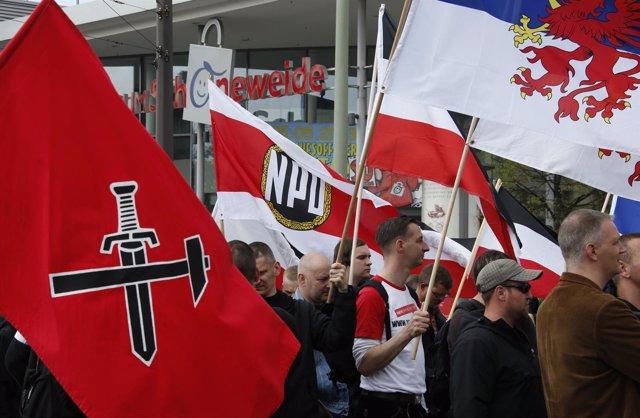 Banderas del Partido Nacionaldemócrata de Alemania (NPD)