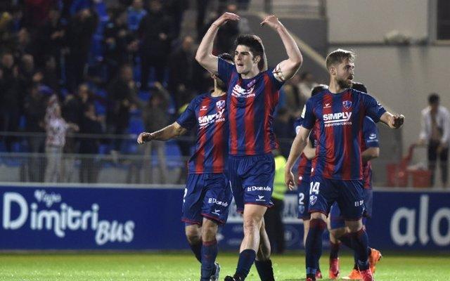 Huesca y Rayo comienzan su periplo en la élite contra Eibar y Sevilla