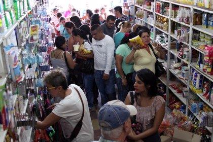 Los sueños de los migrantes venezolanos son frutados por las nuevas exigencias de pasaportes en Ecuador