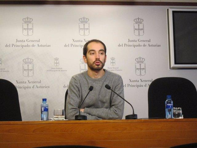 El diputado de Pôdemos Héctor Piernavieja