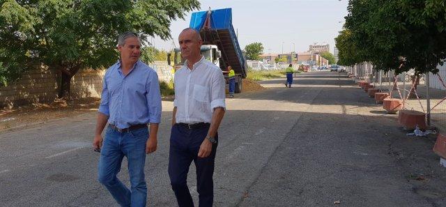 Antonio Muñoz visita la calle Tarfia