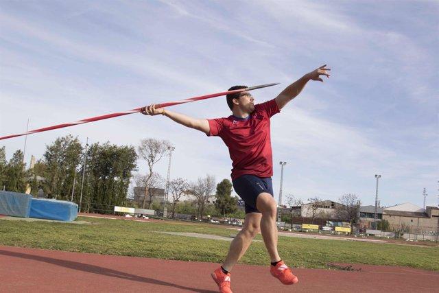 El atleta de Oliva Héctor Cabrera