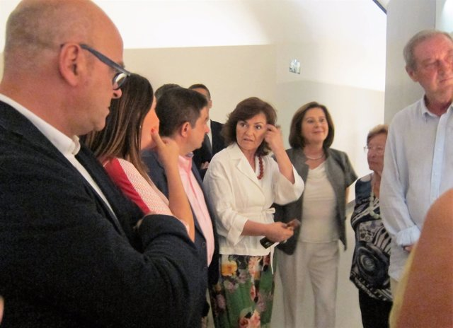 La vicepresidenta del Gobierno, Carmen Calvo (c), visita el Museo Íbero de Jaén.