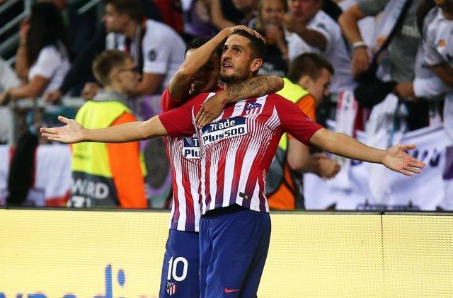 Koke Resurrección y Correa celebran un gol del Atlético de Madrid