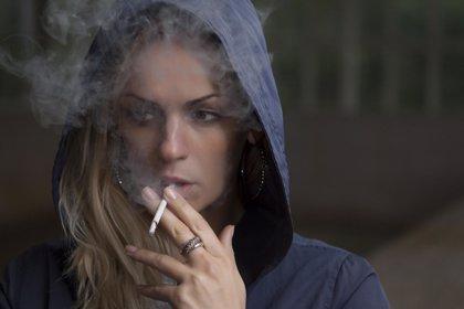 Respirar humo de tabaco en la niñez aumenta el riesgo de EPOC en la madurez
