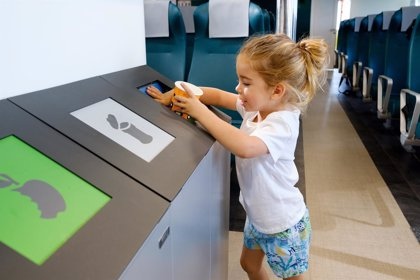 Baleària incorpora menaje y utensilios biodegradables en los buques que operan en las Baleares