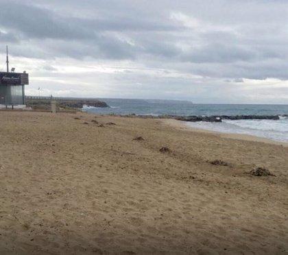 Reabren las playas de Can Pere Antoni y Ciutat Jardí tras permanecer cerradas por vertidos