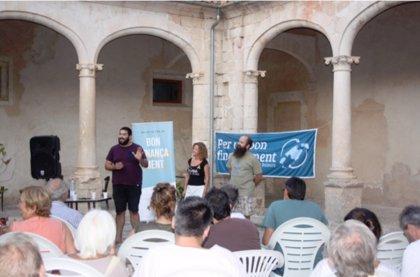 Más de 50 personas asisten a un evento contra la Ley Montoro en Sineu