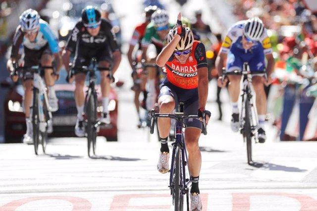 Vincenzo NIbali celebra una victoria en La Vuelta
