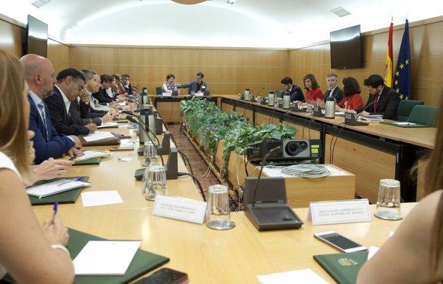 Reunión del ministro Fernando Grande-Marlaska con delegados del Gobierno
