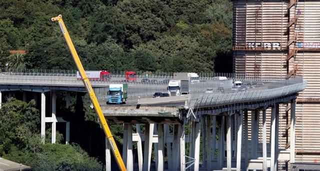 Derrumbe de un puente en Génova