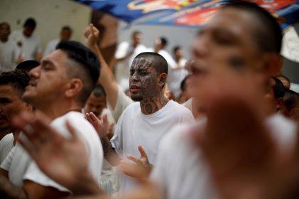 Condenan a dos pandilleros a 285 años de prisión en Honduras por asesinar a siete personas