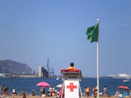 La mayor parte de las playas de Bizkaia permite el baño este lunes, aunque ocho lucen bandera roja