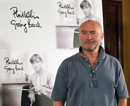 Phil Collins, abierto a una reunión de Genesis con su hijo en la batería