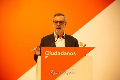 """Ciudadanos pide formalmente activar el 155 en Cataluña y acusa a Sánchez de """"mirar a otro lado"""""""