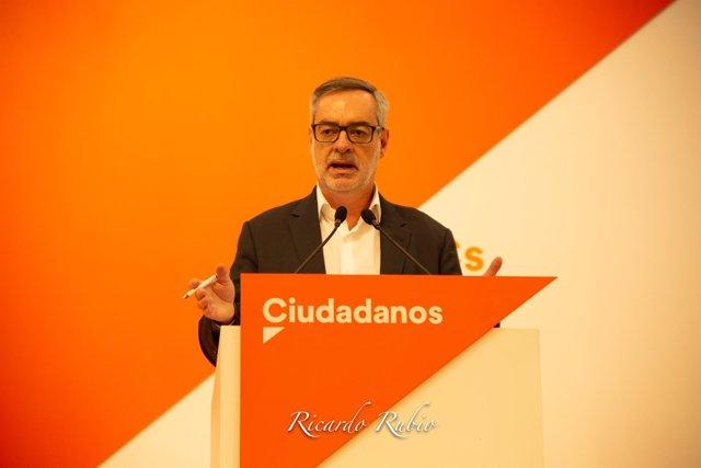 El secretario general de Ciudadanos, José Manuel Villegas, en una rueda de prens