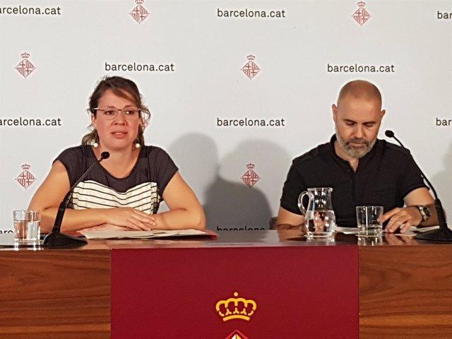 La teniente de alcalde de Barcelona Janet Sanz y el concejal Eloi Badia