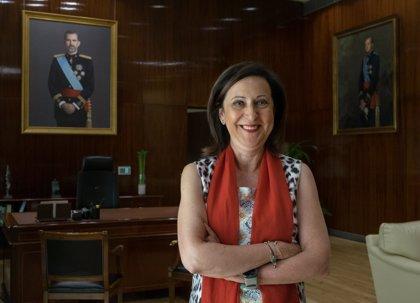 """Margarita Robles avisa a PP y Cs de que el Gobierno """"no acepta lecciones"""" en defensa de la legalidad en Cataluña"""