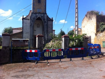 Acordonado el entorno de la Iglesia de Santa María de Loriana ante el peligro de desprendimientos