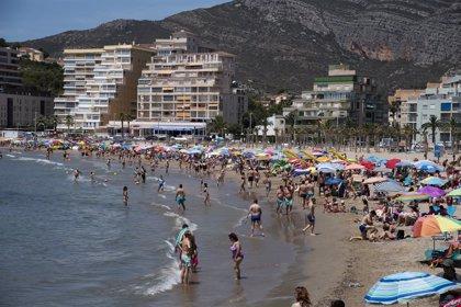 Oropesa, Cabanes y Benicàssim reabren las playas cerradas por indicios de presencia de la bacteria E.Coli