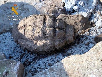 Destruida una granada de mano hallada en una obra en Valdeolea